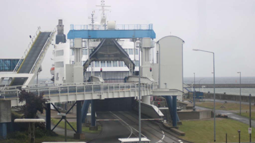 Hafen Puttgarden nach Drohung gegen dänische Fähren gesperrt