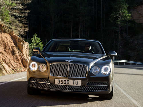 Bentley Flying Spur: Luxus-Büro mit 625 PS