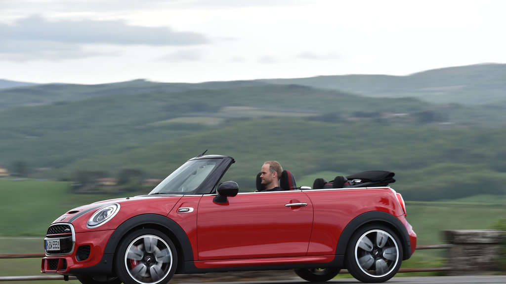 Mini John Cooper Works Cabrio mit 231 PS.