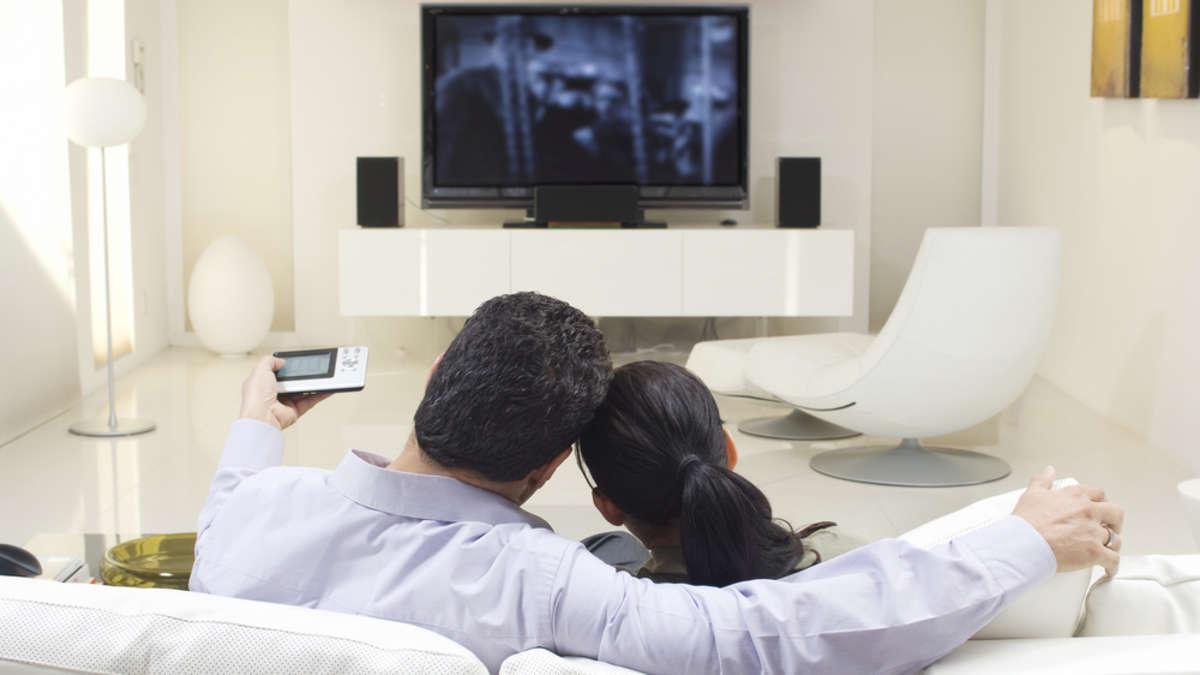 klein aber oho das sind die besten 40 zoll fernseher im. Black Bedroom Furniture Sets. Home Design Ideas