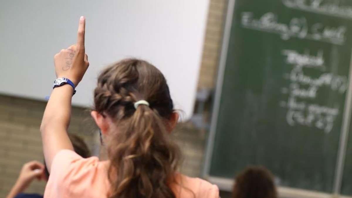 Ohne Rückenschmerzen für die Schule lernen - Gesundheit