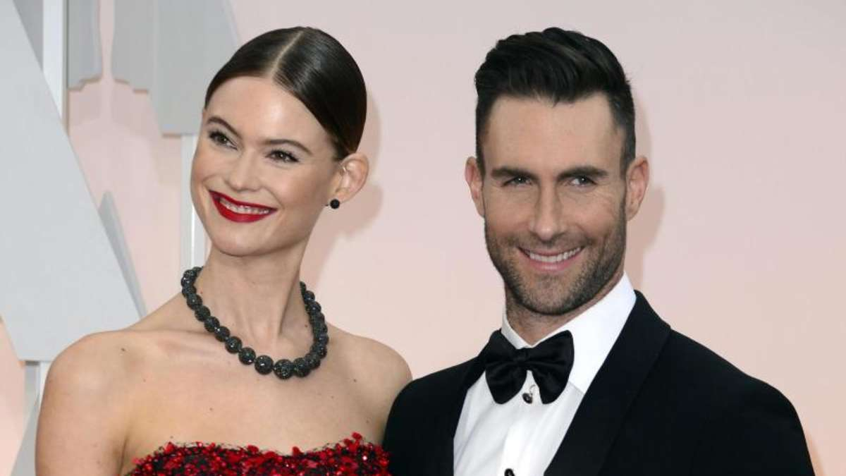 zweites kind f r adam levine und behati prinsloo boulevard. Black Bedroom Furniture Sets. Home Design Ideas