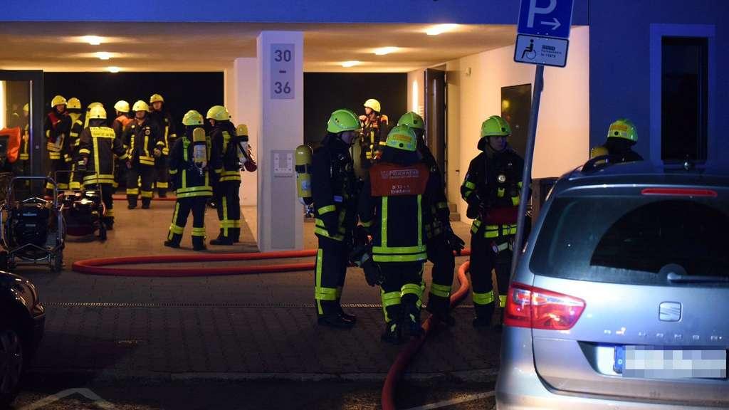 frankfurt hessen explosion und feuer in tiefgarage polizei tappt im dunkeln welt. Black Bedroom Furniture Sets. Home Design Ideas