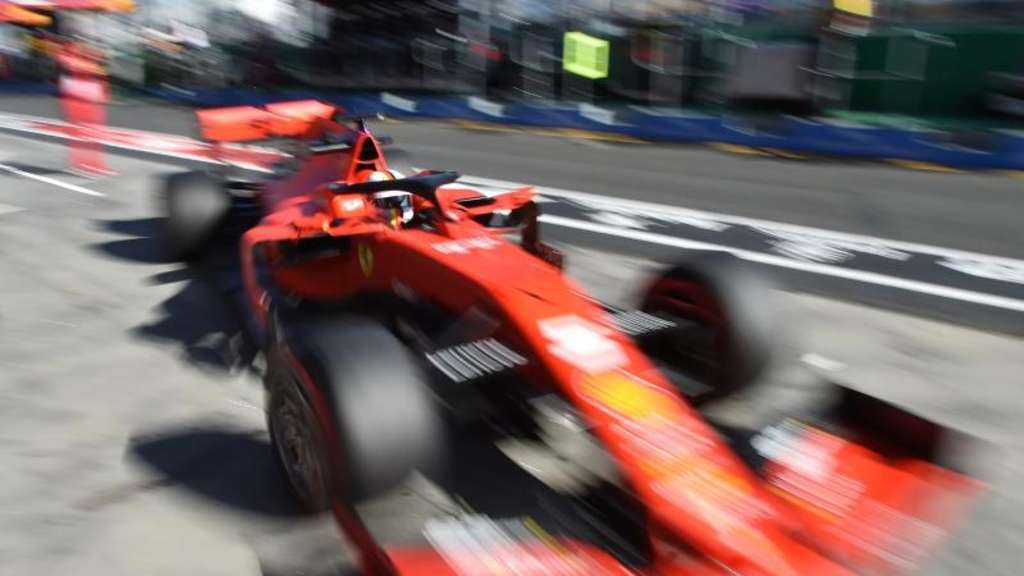 Ferrari-Pilot Sebastian Vettel beim Training in Melbourne. Foto: James Ross/AAP